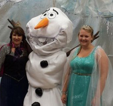Barnes-and-Nobles-Frozen-Characters-685x213