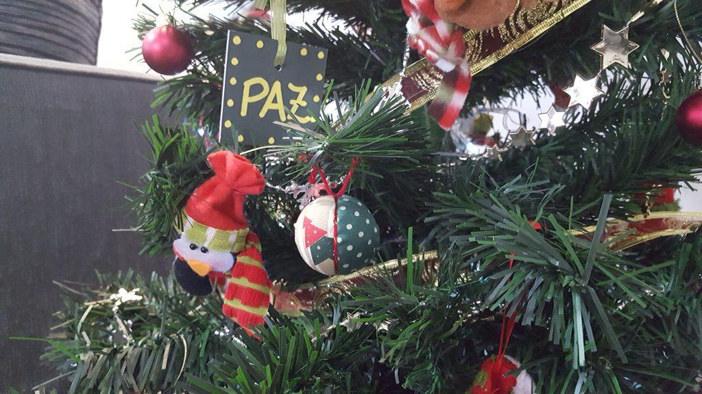 Bola de Natal com isopor: como fazer